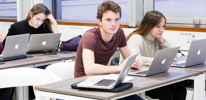 Cadre en informatique : quel diplôme préparé ?